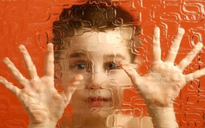 اوتیسم چیست و درمان آن چگونه است؟